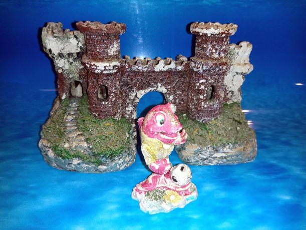 Zamek + figurka do akwarium