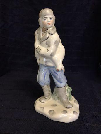 Фарфоровая статуэтка « Охотник»