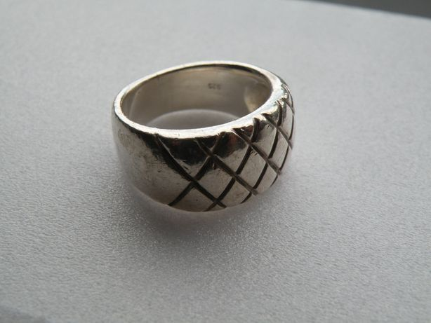 ładny srebrny pierścionek proby 925 e218