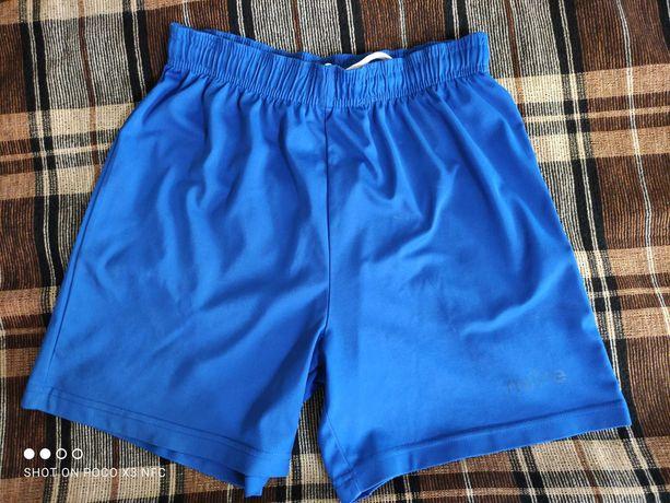Футбольные шорты 152-158 см