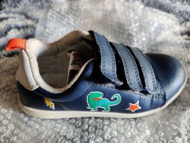 Продам детские фирменные кроссовки Н&М