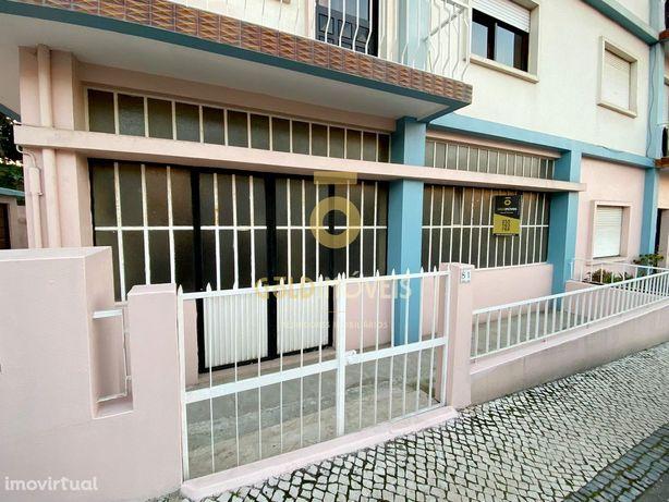 Armazém  Arrendamento em Oliveira de Azeméis, Santiago de Riba-Ul, Ul,