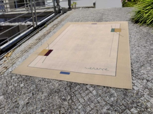 Carpete Beje 2,30 mt. x 1,68 mt.