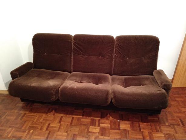 Conjunto de sofás 3+1+1