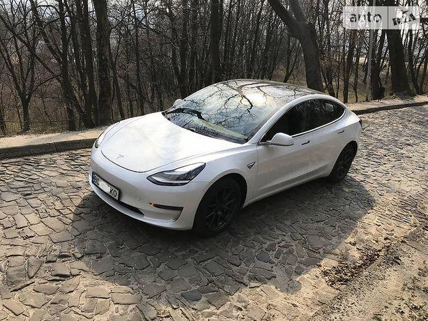 Tesla Model 3 USA НЕ БИТА! 2020 року. 408 км.на одному заряді.
