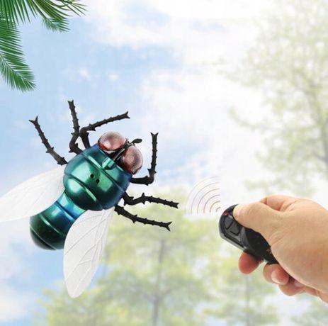 Mucha zdalnie sterowana rc na pilota dla dzieci