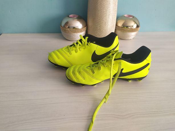 Korki Nike, buty sportowe