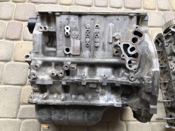 Двигун Головка Блок Ford Focus 1.6 tdci 2012 року 8-и клапанний