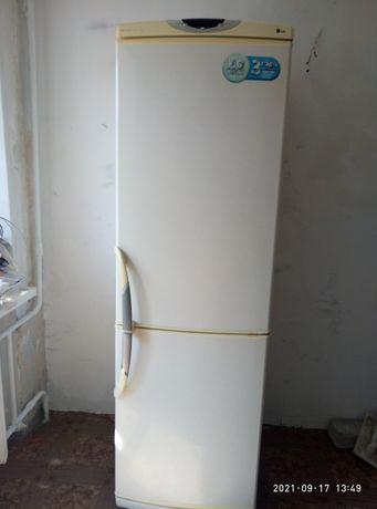 Холодильник LG  под ремонт