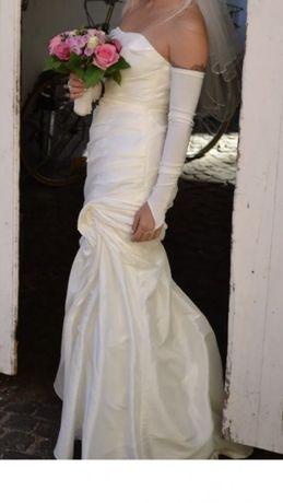 Свадебное платье из Германии в ПОДАРОК Фата и Чехол на платье