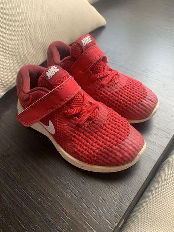 Продам кроссовки Nike 27 разм