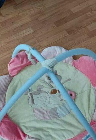 Mata do zabawy dla niemowlaczka
