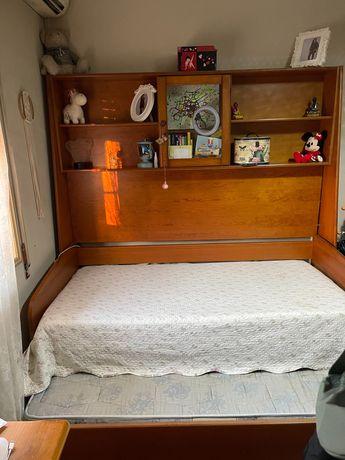 Cama solteiro + secretaria + móvel de gavetas da