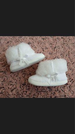 Śliczne białe buciki, chrzest, cieplutkie, rozmiar 10