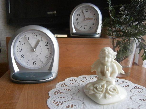 Nowy zegarek stojący - budzik podświetlany