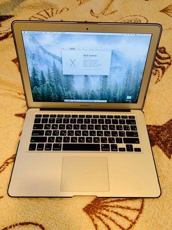 Ноутбук MacBook Air 13,3-дюймов в идеальном состоянии!