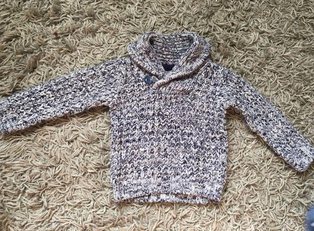Śliczny ciepły sweterek dla chłopca 9/12 miesięcy jak nowy!