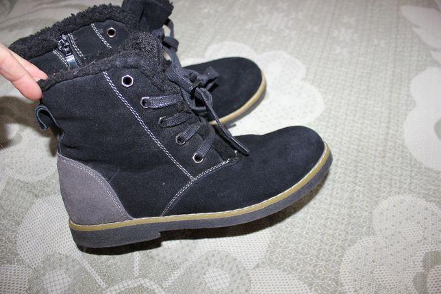 Ботинки полусапожки 34 размер черные замш