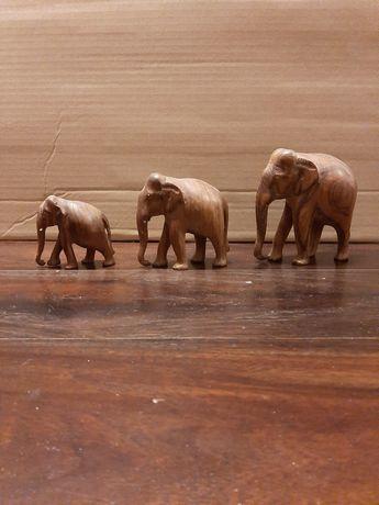 Drewniana rzeźba, słonie