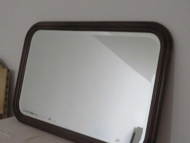 Vendo espelho biselado com moldura em madeira de carvalho maciça