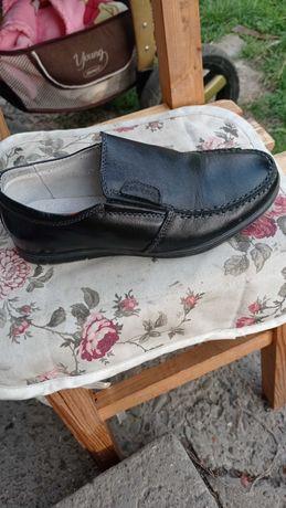 Дитячі туфлі для хлопчика