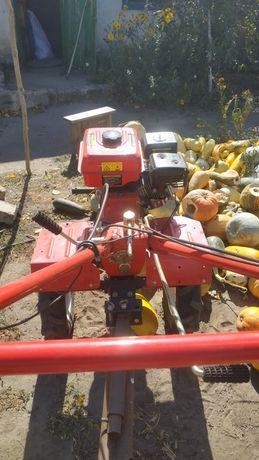 Вспашка огорода мотоблоком