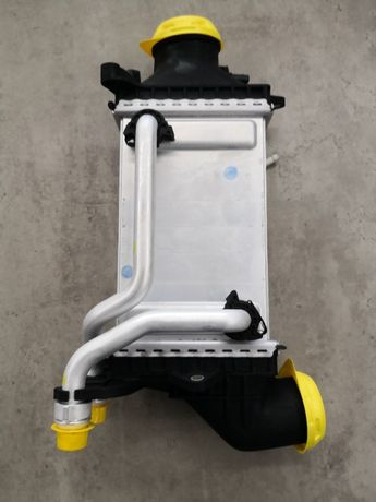 Oryginalna nowa chłodnica powietrza Intercooler Mercedes-Benz C W205