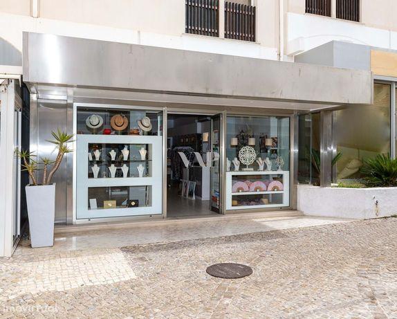 VILAMOURA - Espaço comercial localizada na Marina de Vilamoura