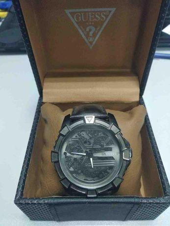 Часы Guess W0274G1