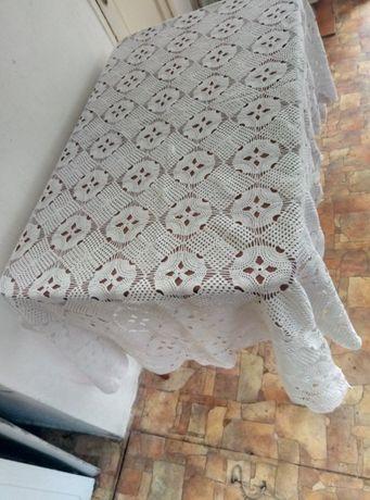 Скатерть белая вязаная 150 Х 180