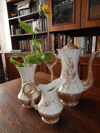 сервиз - кофейник, сливочник и вазочка