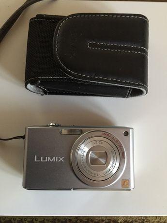 Máquina fotográfica Panasonic Lumix FX33 com lente Leica