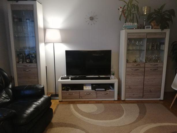 Meblościanka + dwie półki wiszące, fotel1
