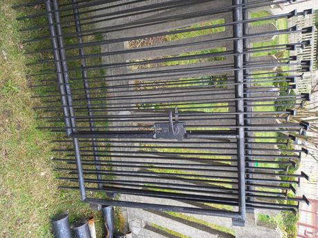 4-metrowa brama z furtką