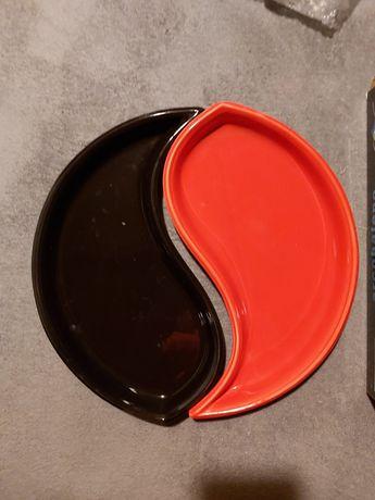 Nowe naczynie ceramiczne dość duże, czerwono- czarne yin yang