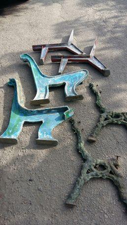 Стойки для лавочки скамьи литые