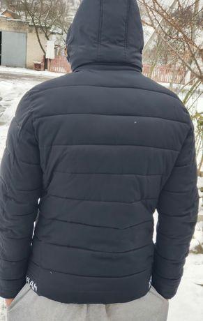 Продам куртку в хорошому стані