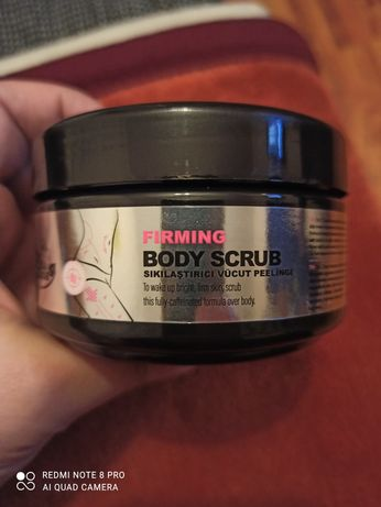 Scrub do ciała 250ml Farmasi