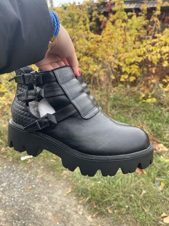 Продам новые кожанные ботинки на осень