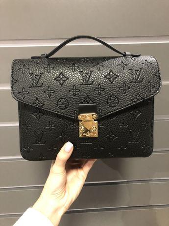 Сумка  матовая чёрная чемоданчик Louis Vuitton