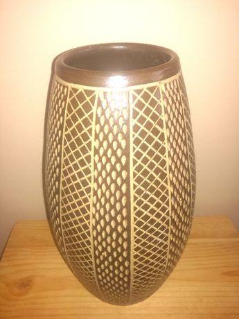 Wazon gliniany brązowy, wys. 30,5cm