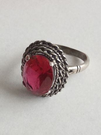 Srebrny , stary pierścionek