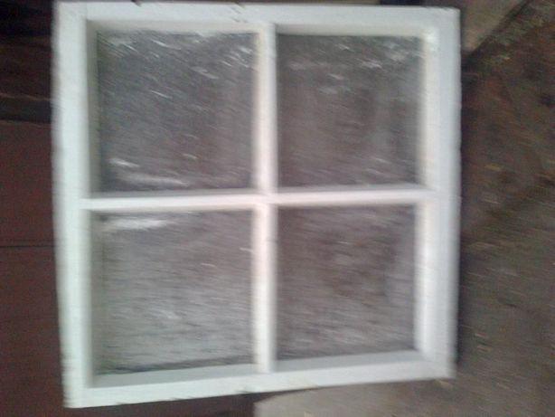 Окно квадратное от кладовки Оконная рама