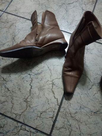 Botas e sapatos 38
