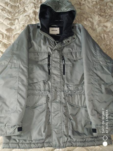 Чоловіча куртка Geox.