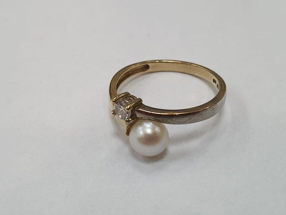 Ciekawy złoty pierścionek damski/ 333/ Perła/ 2.38 gram/ R18/ Gdynia Gdynia - image 1