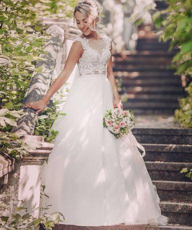 Свадебное платье( 0 9 9 0 9 0 7 6 6 3 )