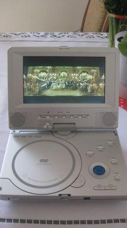 """DVD z ekranem7"""" model DVP-701."""