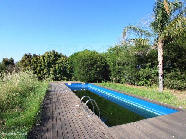 Charmosa quinta com moradia T5+2 e piscinas em Vendas Novas