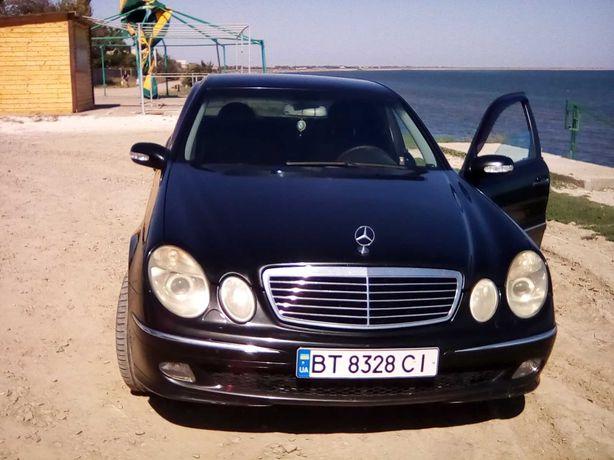 Продаю автомобиль Мерседес E200